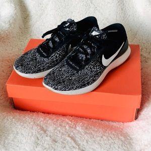 Women's Nike Flex Contact Size 8.5